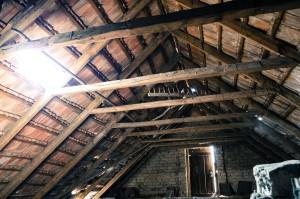 attic-112266_1280